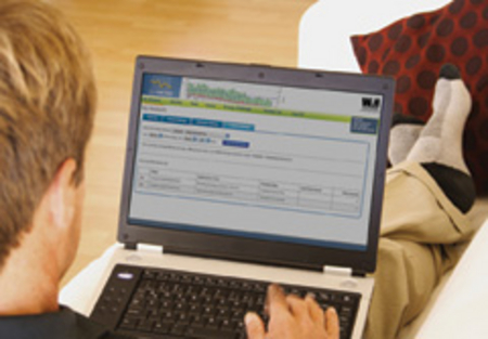 WH member using MyMeter on his laptop computer